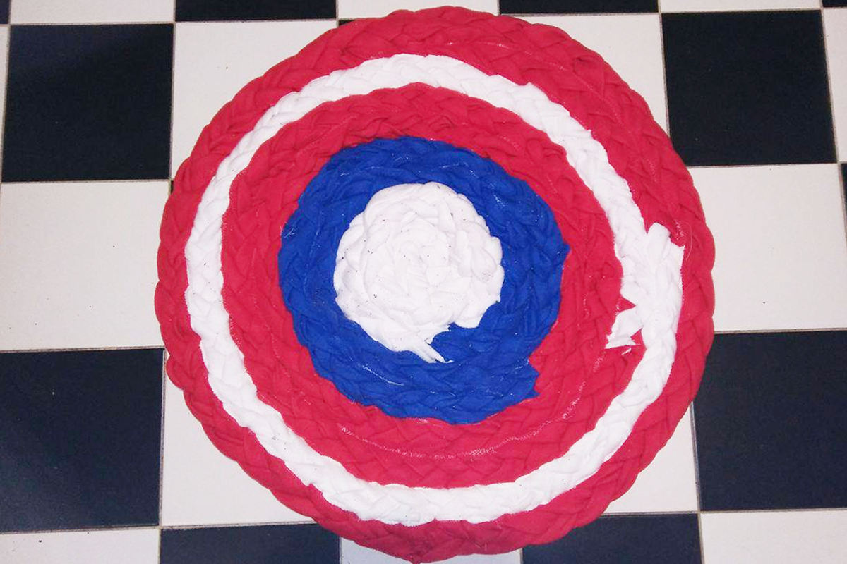 Featured-Image-DrawString-shield-rug